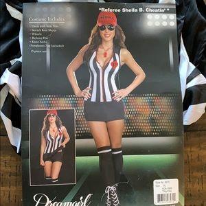 Referee.  Sheila b cheatin